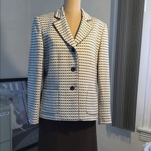 Beautiful Vintage Evan Picone Skirt Suit